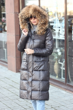 Модная короткая куртка Ice yee с мехом