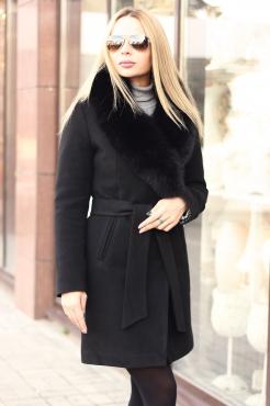 Зимнее короткое пальто 2018 с воротником из песца черное