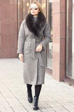 Удлиненное драповое пальто зима 2018-2019 с богатым мехом