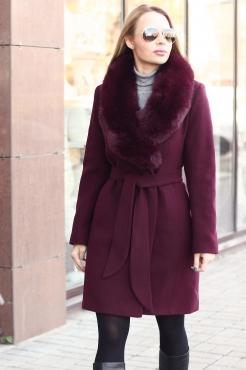 Молодежное пальто зима 2018 с меховым воротником