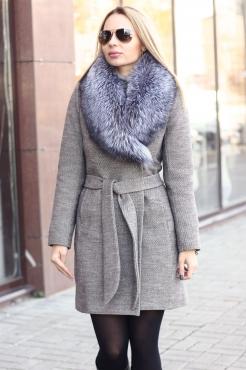 Драповое модное пальто женское с мехом чернобурки