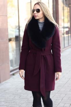 Длинное пальто халат с богатым мехом чернобурки на воротнике