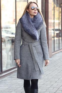 Женское классическое пальто с мехом чернобурки