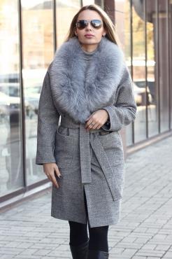 Серое шерстяное пальто с чернобуркой на зиму